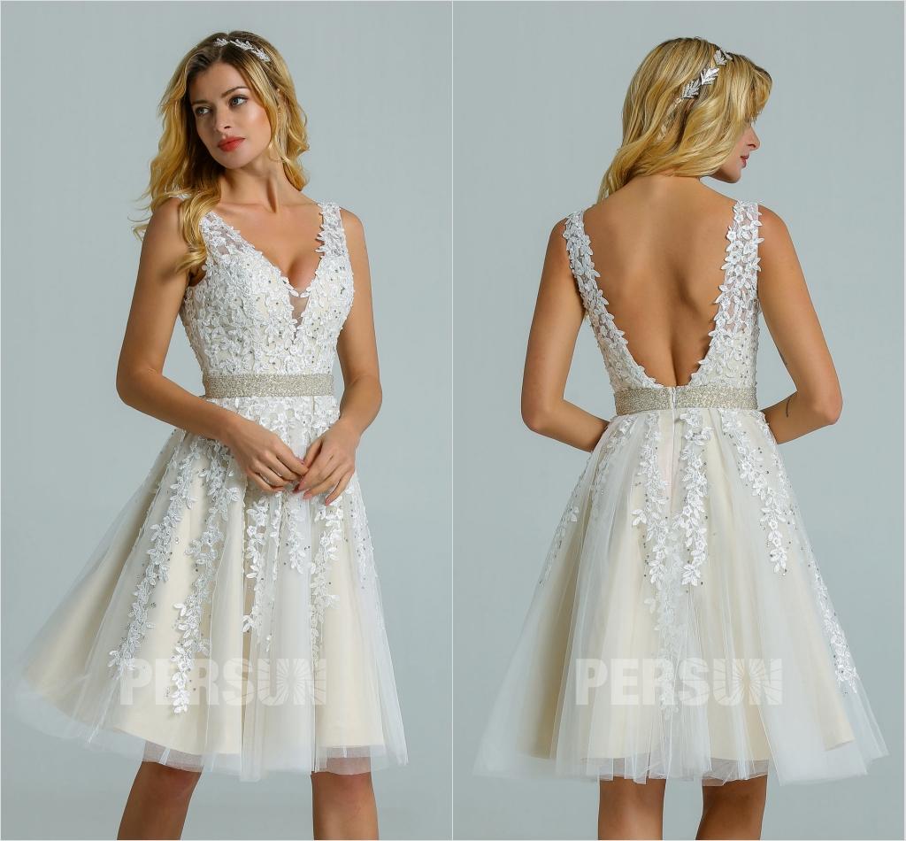 robe de mariée courte dos nu décolleté v en dentelle appliquée