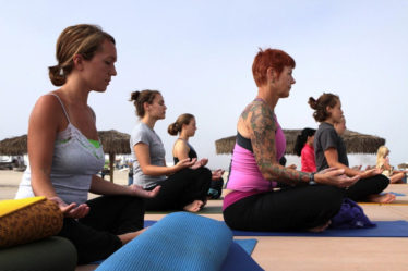 scéance de yoga avec femmes